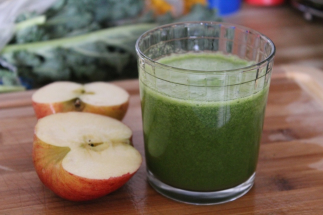 Apple Kale Lemon Green Juice