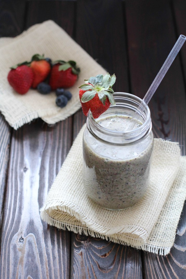 Berry Green Breakfast Smoothie